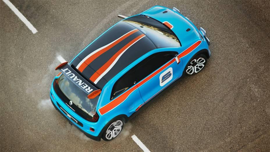 """Renault TwinRun concept pesa apenas 950 kg  <a href=""""http://quatrorodas.abril.com.br/noticias/fabricantes/renault-twin-run-concept-revelado-monaco-742319.shtml"""" rel=""""migration"""">Leia mais</a>"""