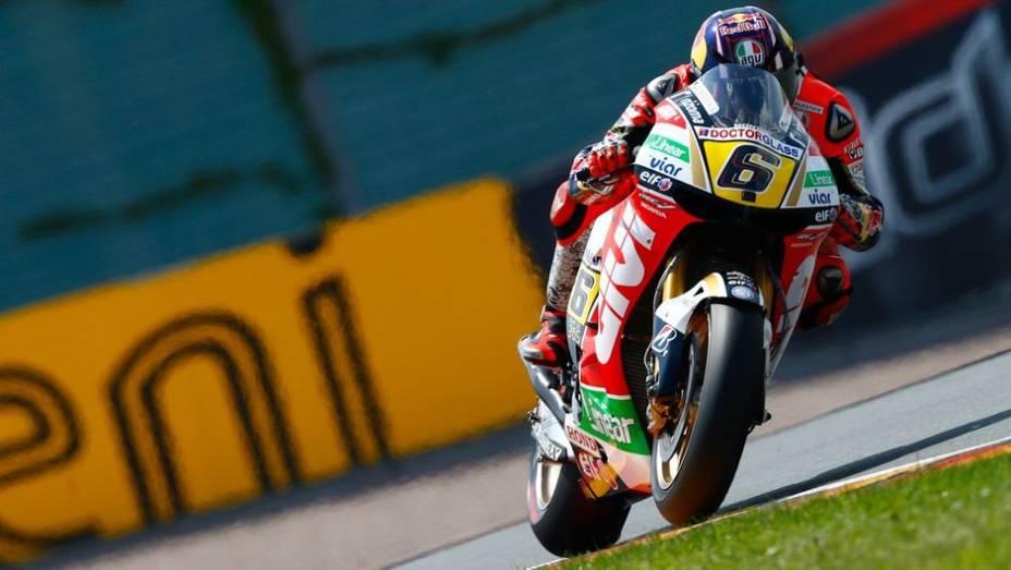 """Stefan Bradl liderou a sexta-feira de treinos da MotoGP na Alemanha   <a href=""""http://quatrorodas.abril.com.br/moto/noticias/motogp-bradl-lidera-lorenzo-ficara-fora-746684.shtml"""" rel=""""migration"""">Leia mais</a>"""