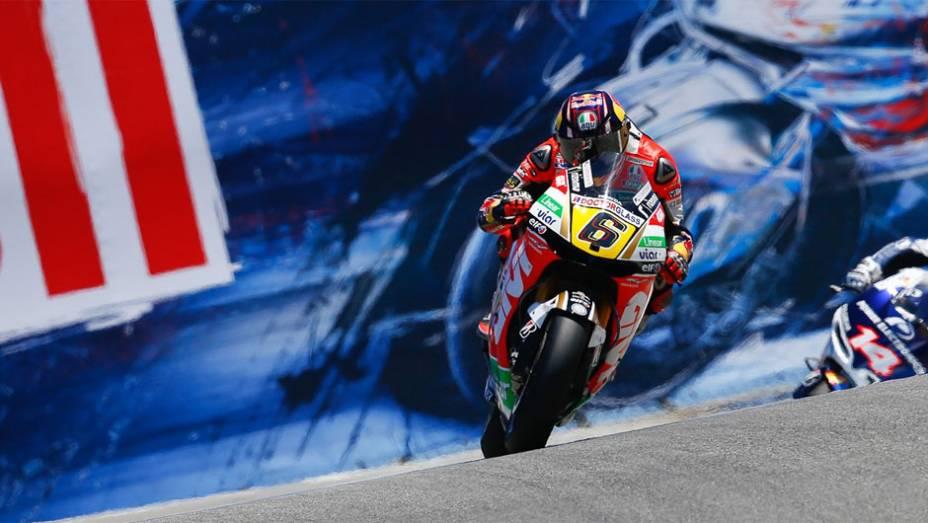 """Stefan Bradl (LCR Honda MotoGP) conquistou a pole position neste sábado   <a href=""""http://quatrorodas.abril.com.br/moto/noticias/motogp-bradl-surpreende-pole-eua-747594.shtml"""" rel=""""migration"""">Leia mais</a>"""