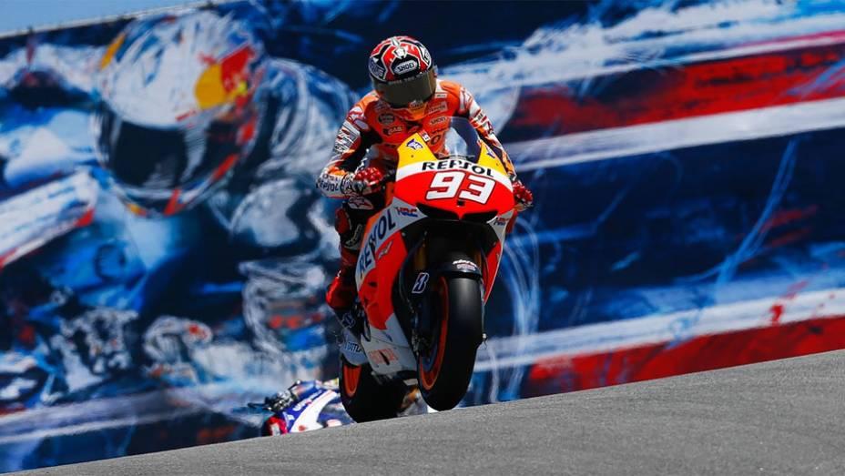"""Marc Márquez (Repsol Honda Team), após uma queda, ficou com o segundo lugar   <a href=""""http://quatrorodas.abril.com.br/moto/noticias/motogp-bradl-surpreende-pole-eua-747594.shtml"""" rel=""""migration"""">Leia mais</a>"""