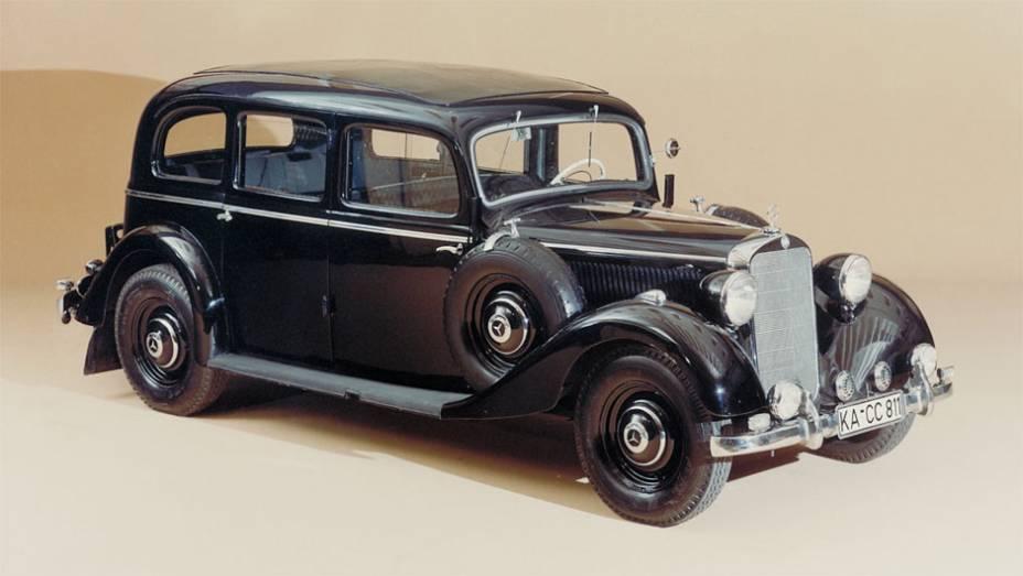 Diesel - Numa das décadas das mais criativas da Mercedes-Benz, o primeiro carro de passeio a diesel do mundo, o 260 D, foi apresentado em 1936.