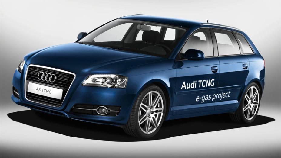 Gás - Comum em taxis com kits de GNV no Brasil, nos modelos de fábrica eles ainda estão em estudo, mas o conceitual Audi A3 TCNG promete mudar isso.