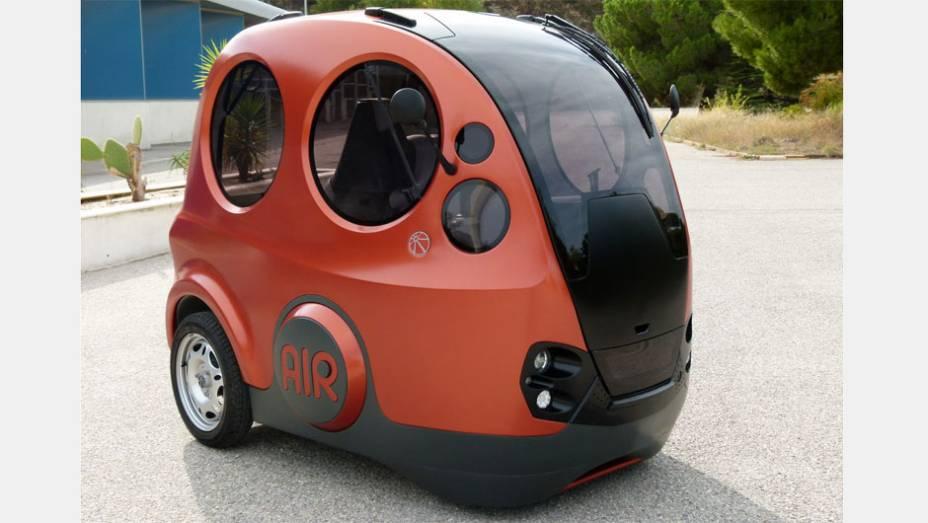 Ar comprimido - A francesa MDI se especializou em microcarros movidos a ar comprimido. Sem emitir poluentes, seu novo AIRpod leva três pessoas e chega a 70 km/h.