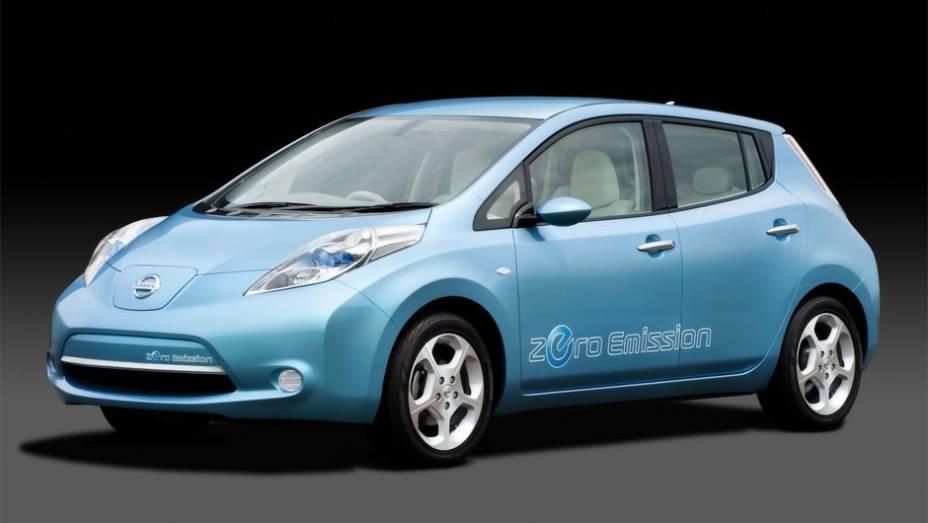 Eletricidade - A propulsão 100% elétrica data do fim do século XIX, mas ganha força desde os anos 90. Até os grandes fabricantes estão apostando, como no Leaf da Nissan.