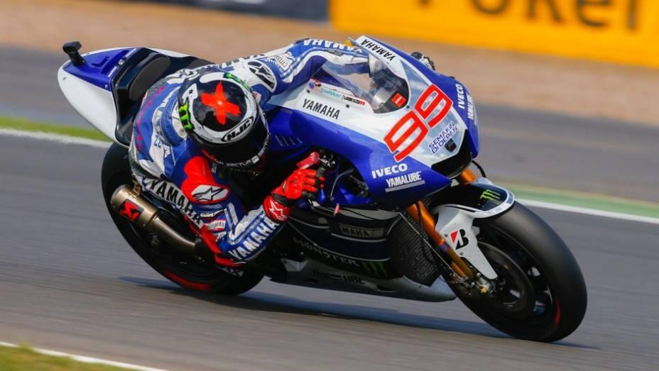 """Jorge Lorenzo (Yamaha Factory Racing) liderou os treinos de sexta-feira em Silverstone   <a href=""""http://quatrorodas.abril.com.br/moto/noticias/motogp-lorenzo-lidera-sexta-feira-751904.shtml"""" rel=""""migration"""">Leia mais</a>"""