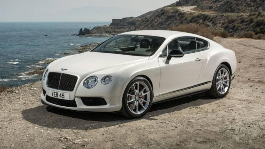"""A Bentley aproveita o Salão de Frankfurt para introduzir a versão """"S"""" do Continental GT V8   <a href=""""http://quatrorodas.abril.com.br/saloes/frankfurt/2013/bentley-continental-gt-v8-s-752161.shtml"""" rel=""""migration"""">Leia mais</a>"""