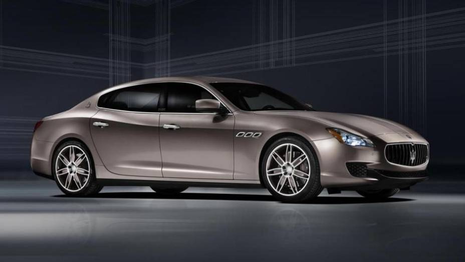 """A Maserati mostra neste Salão de Frankfurt o Quattroporte Ermenegildo Zegna concept   <a href=""""http://quatrorodas.abril.com.br/saloes/frankfurt/2013/maserati-quattroporte-ermenegildo-zegna-concept-752311.shtml"""" rel=""""migration"""">Leia mais</a>"""
