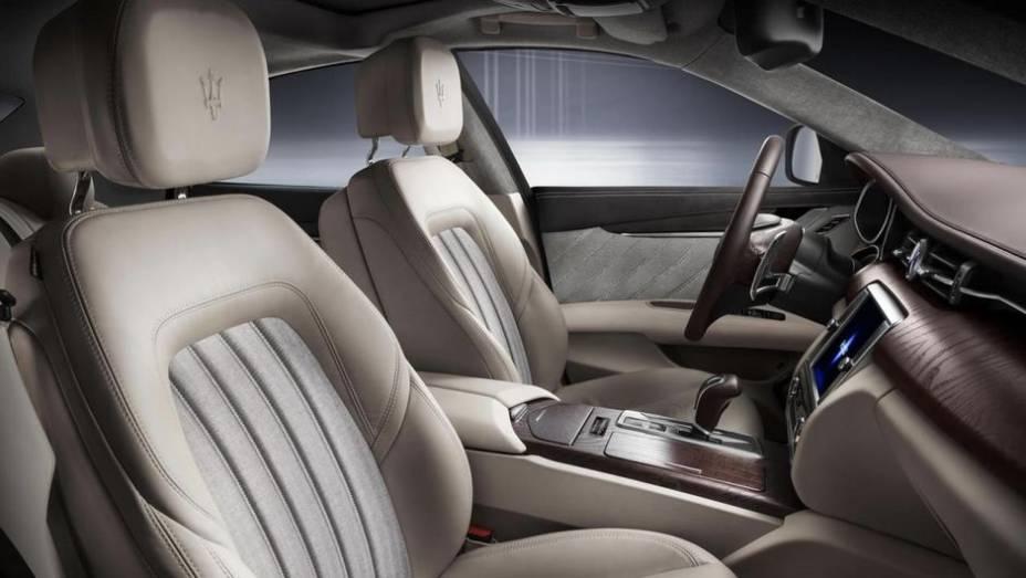 """A Maserati deve promover o lançamento de uma versão de produção do Quattroporte Ermenegildo Zegna concept em 2014   <a href=""""http://quatrorodas.abril.com.br/saloes/frankfurt/2013/maserati-quattroporte-ermenegildo-zegna-concept-752311.shtml"""" rel=""""migration"""">Leia mais</a>"""