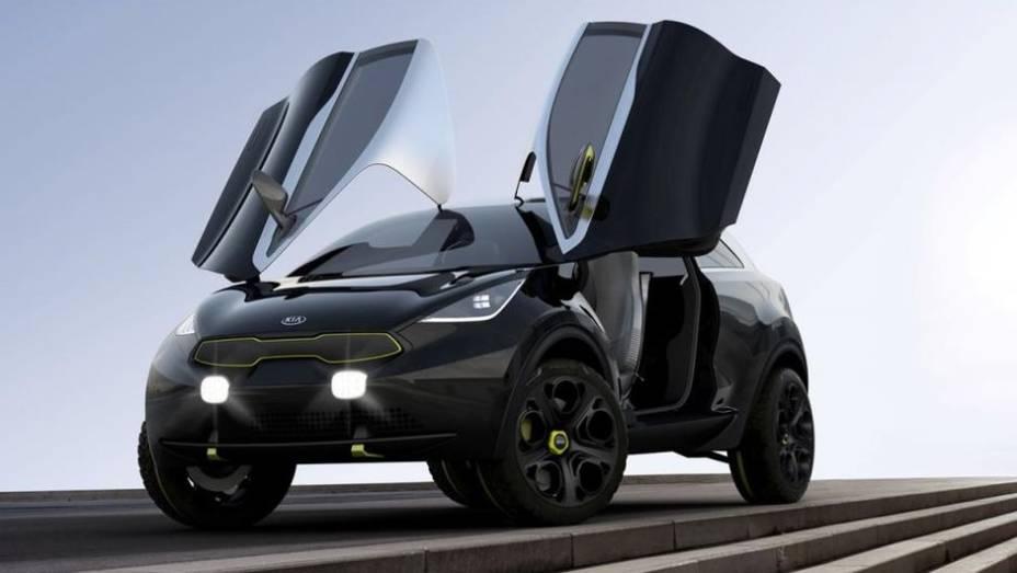 """Sob o capô, o crossover é equipado com motor 1.6 turbo, que oferece 160 cavalos de potência e está atrelado ao eixo dianteiro. Também há um motor elétrico, de 45 cv, ligado ao eixo traseiro   <a href=""""http://quatrorodas.abril.com.br/saloes/frankfurt/2013/"""" rel=""""migration""""></a>"""