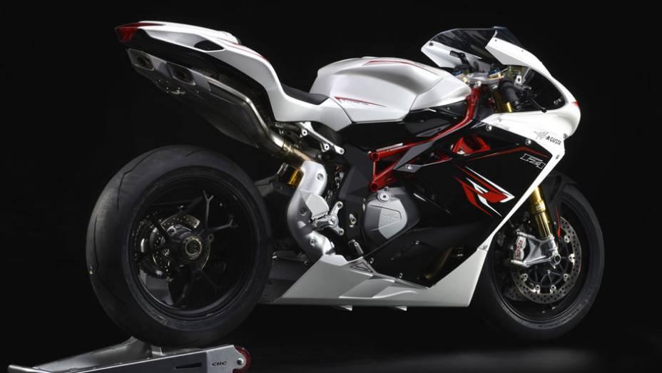 """Motor de 998 cm³ Corsa Corta (curso curto) de quatro cilindros   <a href=""""http://quatrorodas.abril.com.br/moto/noticias/mv-agusta-confirma-cinco-lancamentos-brasil-756002.shtml"""" rel=""""migration"""">Leia mais</a>"""
