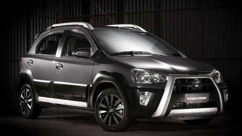 """Toyota lança Etios Cross   <a href=""""http://quatrorodas.abril.com.br/carros/lancamentos/toyota-etios-cross-759424.shtml"""" rel=""""migration"""">Leia mais</a>"""