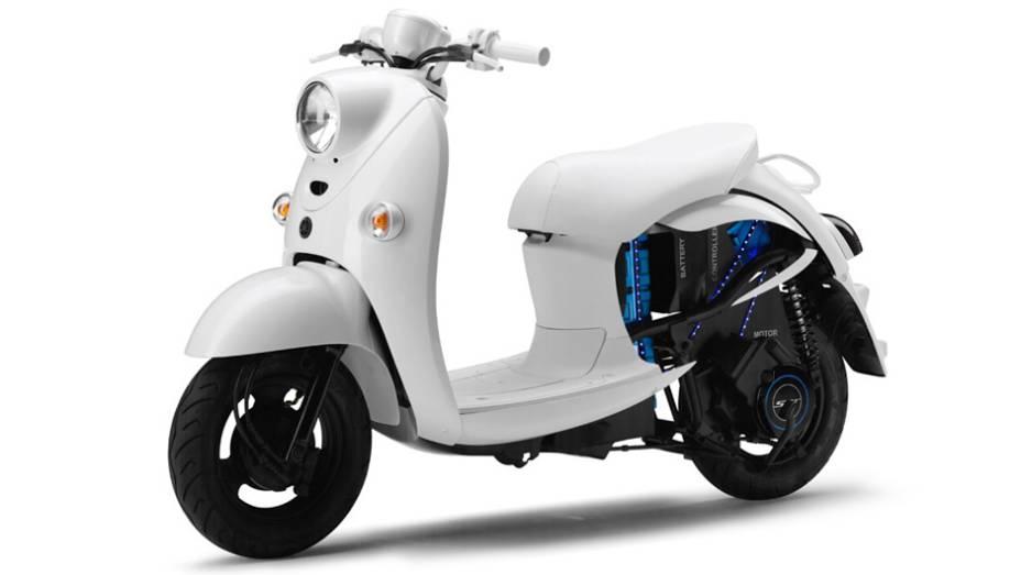 """Yamaha EVino   <a href=""""http://quatrorodas.abril.com.br/moto/noticias/yamaha-mostra-modelos-salao-toquio-760140.shtml"""" rel=""""migration"""">Leia mais</a>"""
