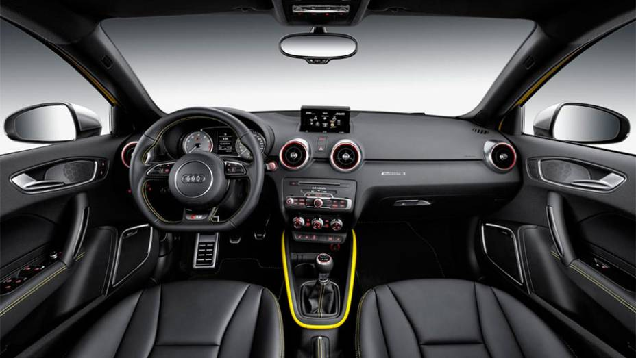 """Dentro da cabine a Audi optou por um tema preto combinado com escalas de cinza escuro para os instrumentos...   <a href=""""http://quatrorodas.abril.com.br/noticias/saloes/genebra-2014/audi-lanca-oficialmente-s1-s1-sportback-2014-773081.shtml"""" rel=""""migration"""">Leia mais</a>"""