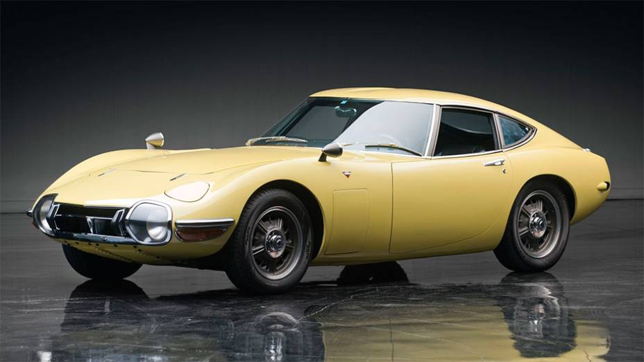 Toyota 2000GT: Único esportivo de verdade japonês nos anos 60, produzido de 1967 a 1970. Um dos 351 feitos foi arrematado por 1,1 milhão de dólares em leilão da RM