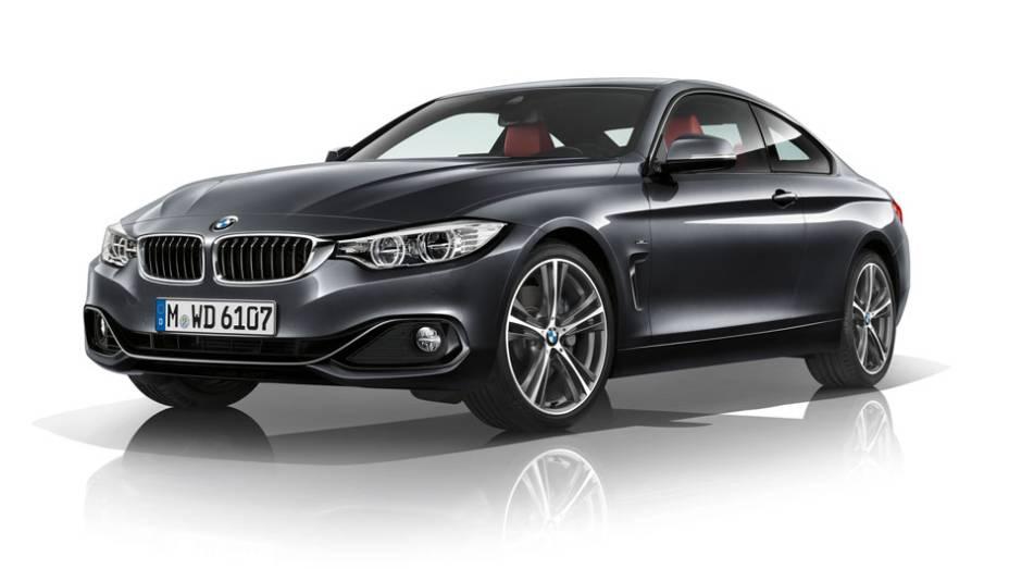 """BMW 435i Coupé M Sport chega ao Brasil por 299.950 reais   <a href=""""http://quatrorodas.abril.com.br/noticias/fabricantes/bmw-435i-coupe-m-sport-chega-ao-brasil-299-950-reais-777719.shtml"""" rel=""""migration"""">Leia mais</a>"""