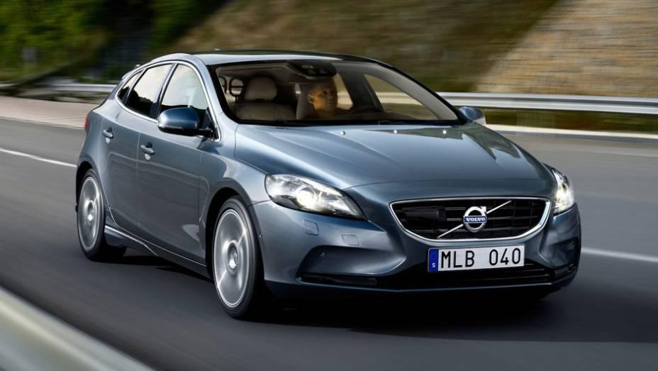 """13ª) Volvo - 115 problemas em cada 100 carros (PP100)   <a href=""""http://quatrorodas.abril.com.br/noticias/mercado/eua-carros-porsche-tem-melhor-percepcao-inicial-qualidade-diz-estudo-786536.shtml"""" rel=""""migration"""">Leia mais</a>"""