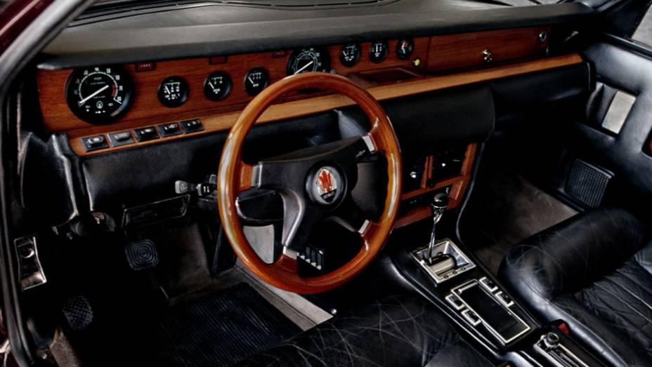 """Uma versão de 3.2 litros e 200 cv foi anunciada no Salão de Genebra de 1975, mas a Citroën desistiu da marca e só 13 unidades com essa motorização foram concluídas, marcando o fim do modelo   <a href=""""http://quatrorodas.abril.com.br/reportagens/classicos/"""" rel=""""migration""""></a>"""