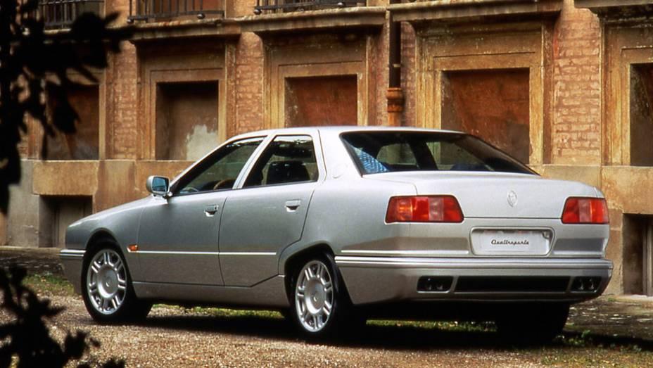 """Dos motores adotados nessa geração, os V6 foram os de 2.0 e 287 cv e 2.8 litros de 284 cv e o V8 produzia 335 cv   <a href=""""http://quatrorodas.abril.com.br/reportagens/classicos/maserati-100-anos-792281.shtml"""" rel=""""migration"""">Leia mais</a>"""
