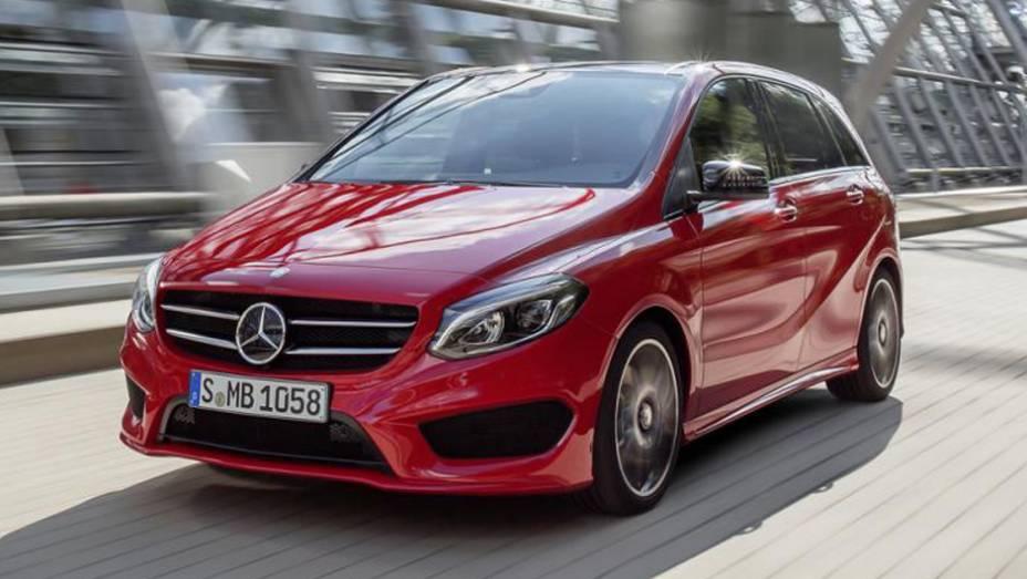 """A Mercedes-Benz apresentou nesta sexta-feira (12) o facelift do Classe B   <a href=""""http://quatrorodas.abril.com.br/noticias/saloes/paris-2014/mercedes-benz-atualiza-classe-b-799644.shtml"""" rel=""""migration"""">Leia mais</a>"""