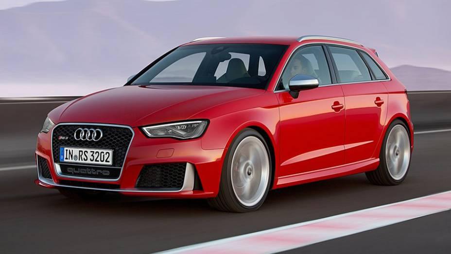 """A Audi revelou as especificações do novo RS3 Sportback   <a href=""""http://quatrorodas.abril.com.br/noticias/fabricantes/audi-divulga-rs3-sportback-2015-820188.shtml"""" rel=""""migration"""">Leia mais</a>"""