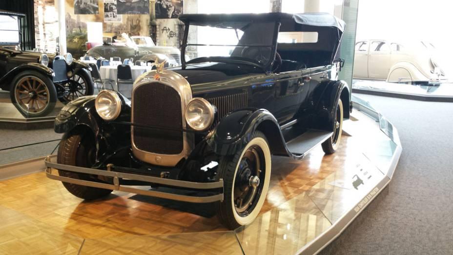Em seguida, os visitantes encontram o protótipo do Chrysler Six, primeiro modelo lançado na história da marca, em 1924