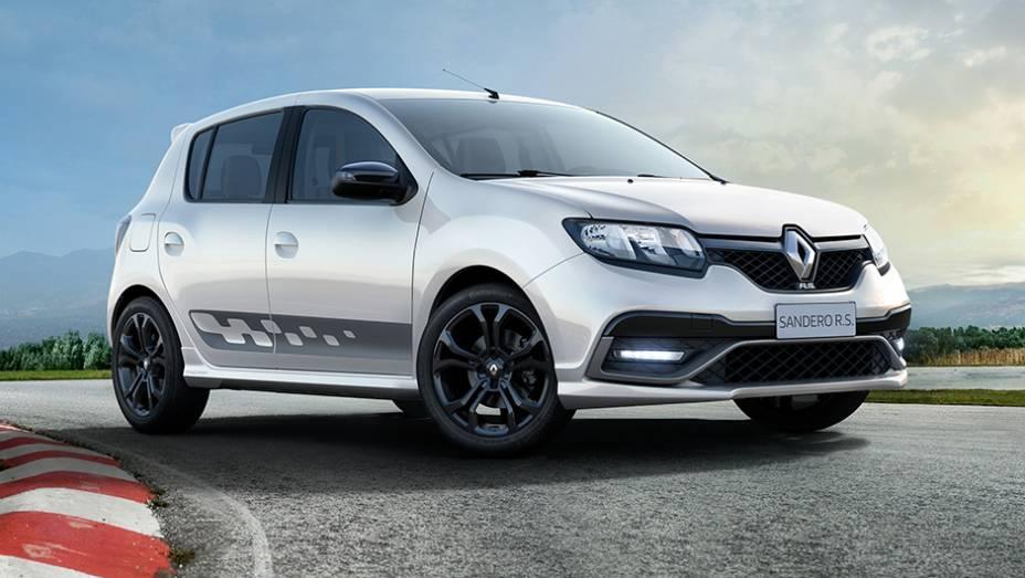 """O Sandero RS destinado ao mercado latino-americano é o primeiro modelo da Renault Sport não-concebido para a Europa   <a href=""""http://quatrorodas.abril.com.br/noticias/saloes/buenos-aires-2015/renault-exibe-duster-picape-sandero-r-s-877281.shtml"""" rel=""""migration""""></a>"""