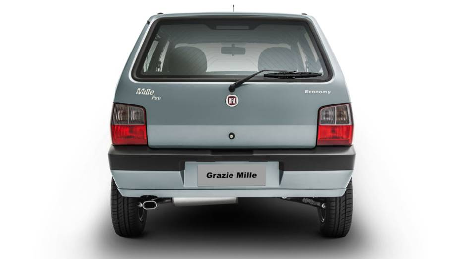 """O Mille é a última versão produzida do Uno, que foi lançado em 1983   <a href=""""http://quatrorodas.abril.com.br/noticias/fabricantes/fiat-lanca-serie-grazie-mille-763882.shtml"""" rel=""""migration"""">Leia mais</a>"""