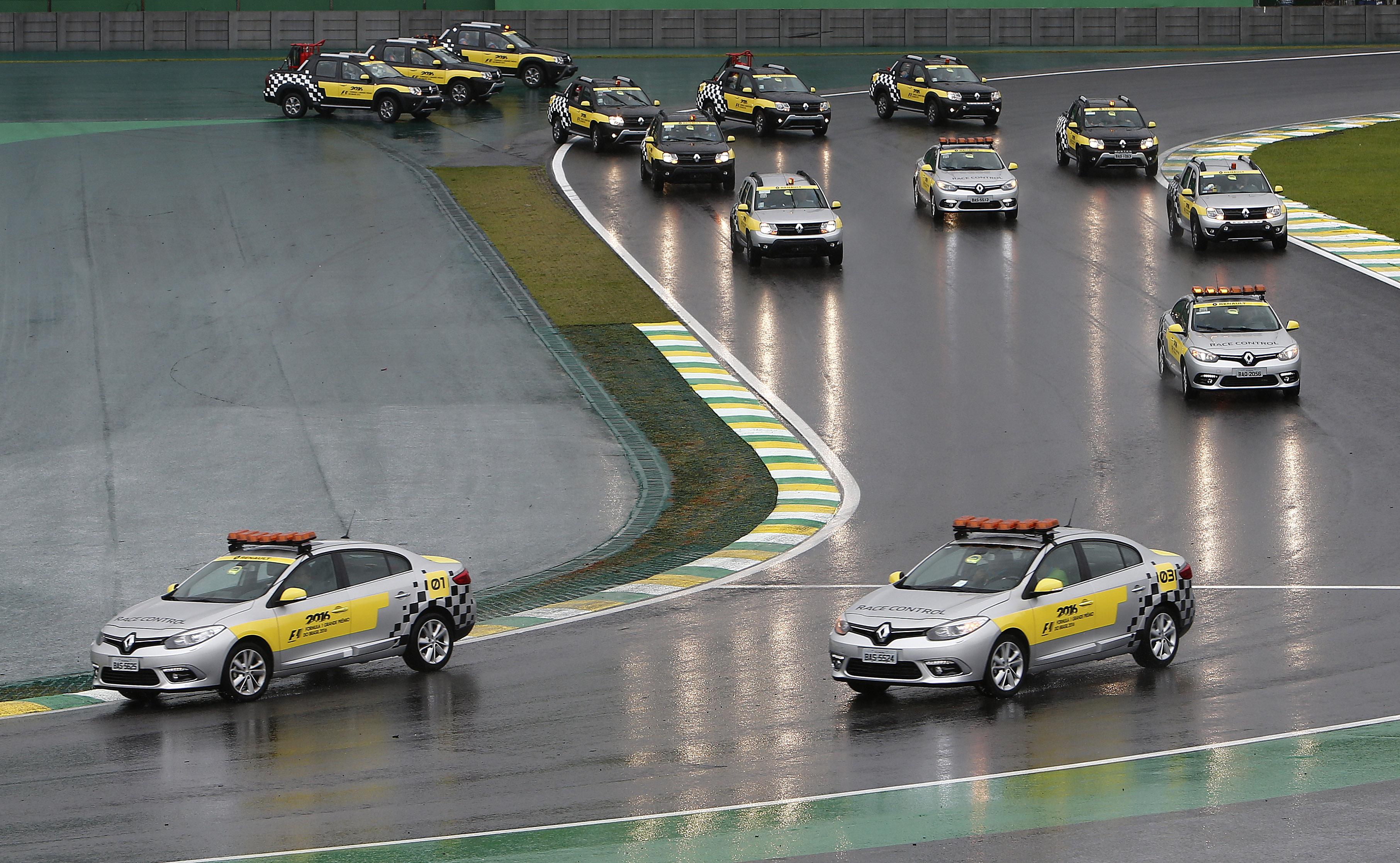 A Renault teve 49 veículos de apoio no GP do Brasil