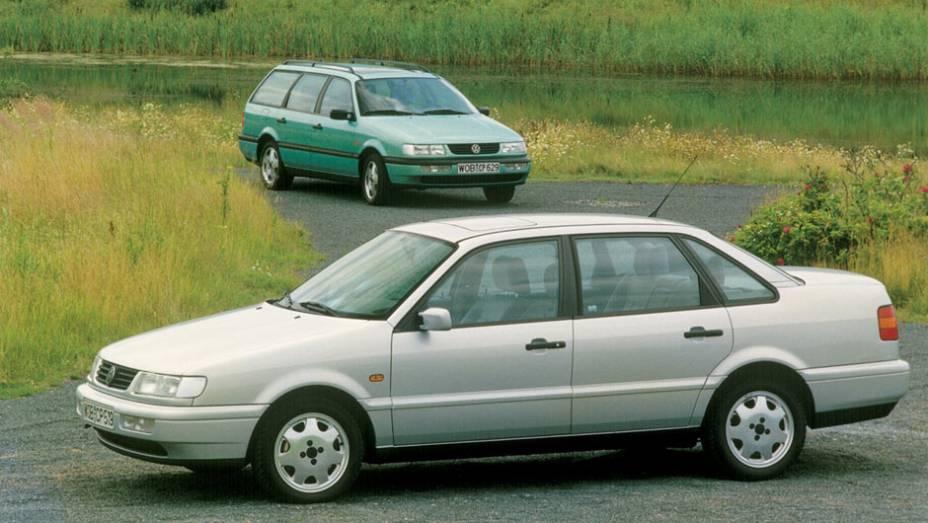 Em 1993, a VW lançou um facelift da terceira geração, suficiente para a marca chamá-lo de B4 (ou quarta geração); esta versão, inclusive, marcou o retorno do nome Passat ao Brasil