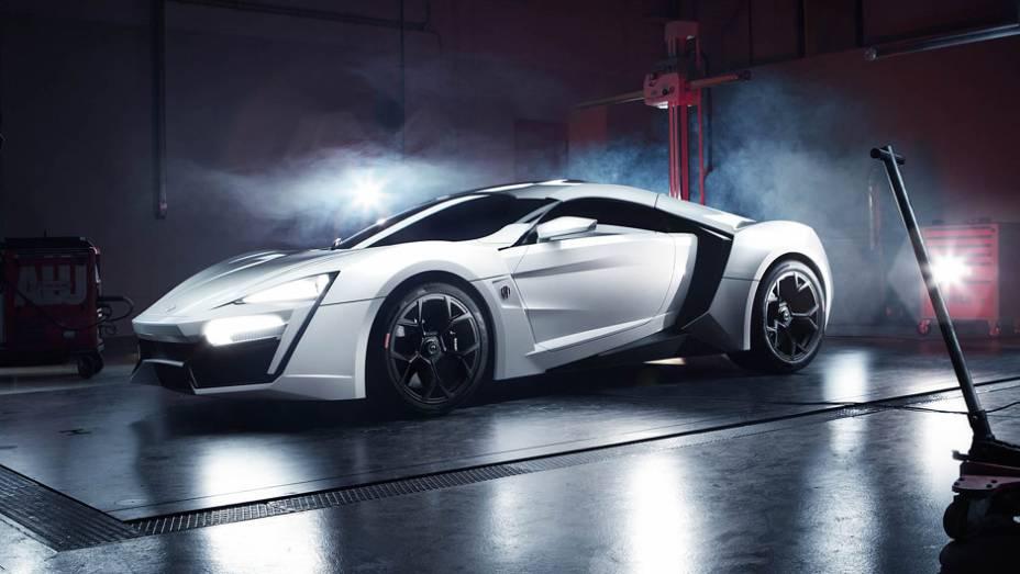 """Lykan Hypersport: o ultrararo superesportivo libanês de US$ 3,4 mi é o astro de """"Velozes e Furiosos 7""""; movido por um motor biturbo central, ele tem 760 cv e chega aos 395 km/h"""