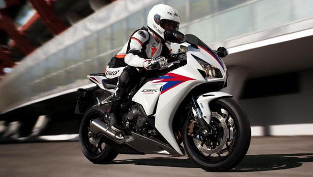 Moto tem novas suspensões e rodas