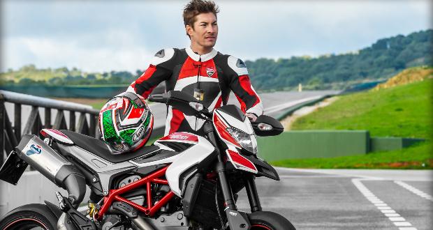 Nicky Hayden acelera nova Ducati Hypermotard