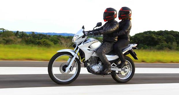 Honda realiza recall da NX 400i Falcon 2013