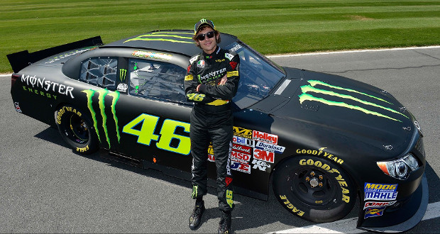 Valentino Rossi no ritmo da NASCAR