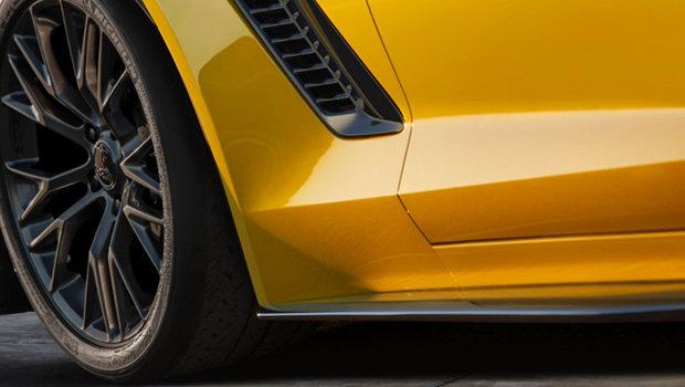 5658be972daad077e75e0454teaser-chevolet-corvette-z06-2015.jpeg