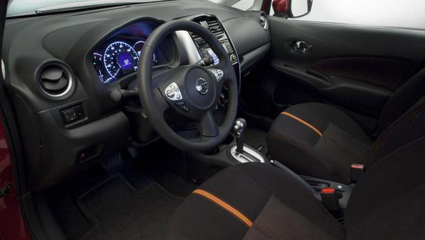 Nissan Versa Note SR