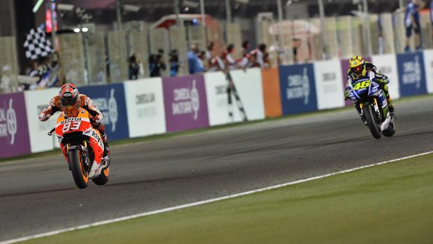 Em prova disputada, Márquez segura pressão de Rossi e vence no Catar