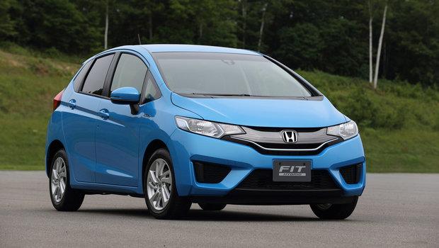000-2015-honda-fit-hybrid-1.jpeg