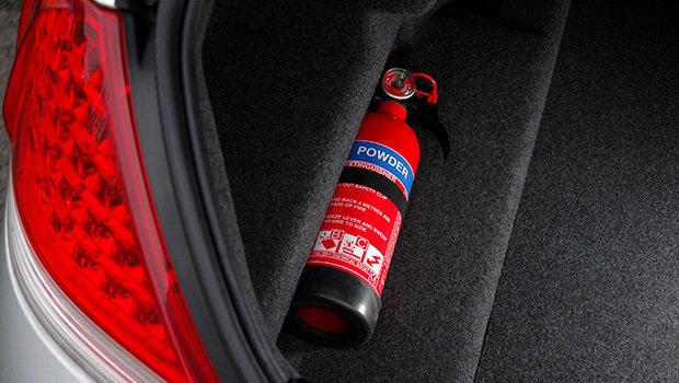 Extintor de incêndio em carro