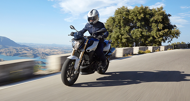 BMW lança F 800 R 2015 por R$ 37.900
