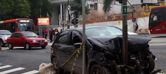 5658caafcc505d14c83136ebsp-acidente-transito-reboucas.jpeg