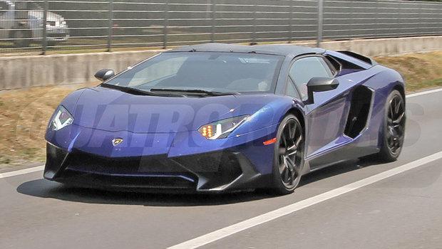 5658cbacde40d64c2043e2b9lamborghini-aventador-sv-roadster-1.jpeg