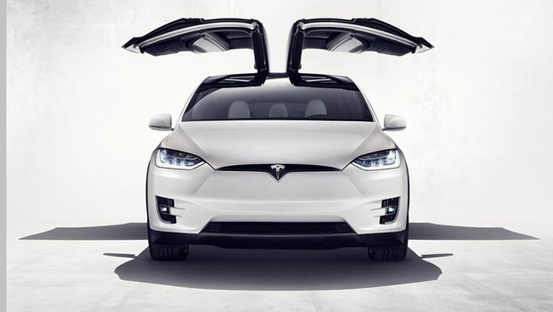 5658cd5252657372a13b25a6tesla-model-x-1.jpeg