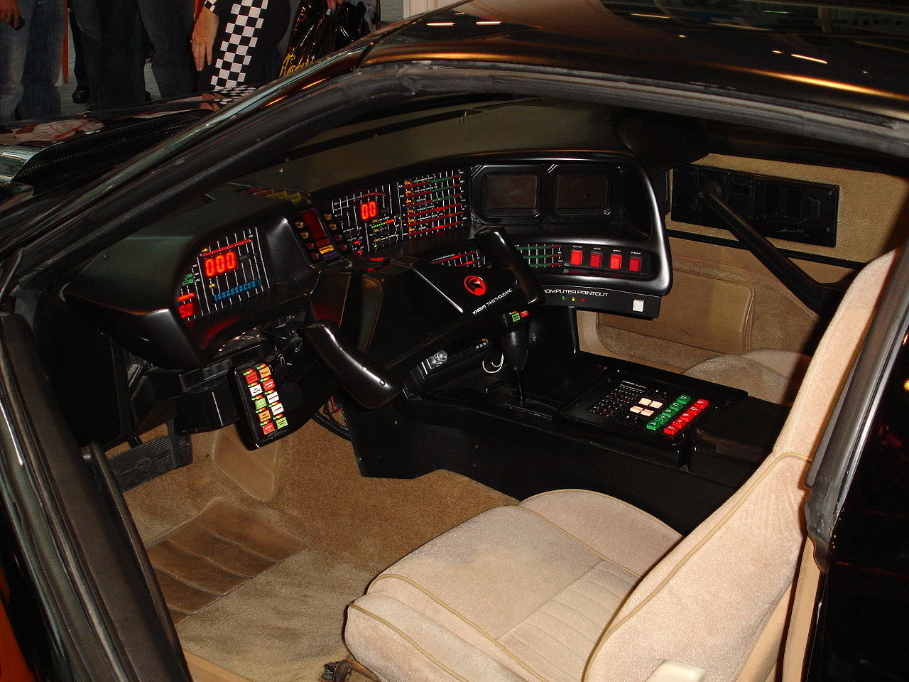 A SUPER MÁQUINA - Interior do KITT, um Pontiac TRansAm modificado