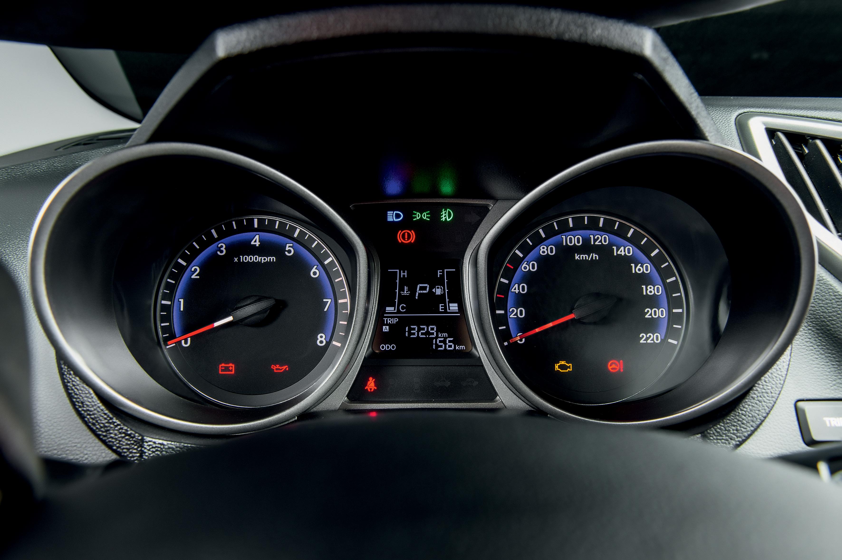 Hyundai HB20X Premium Automático 04