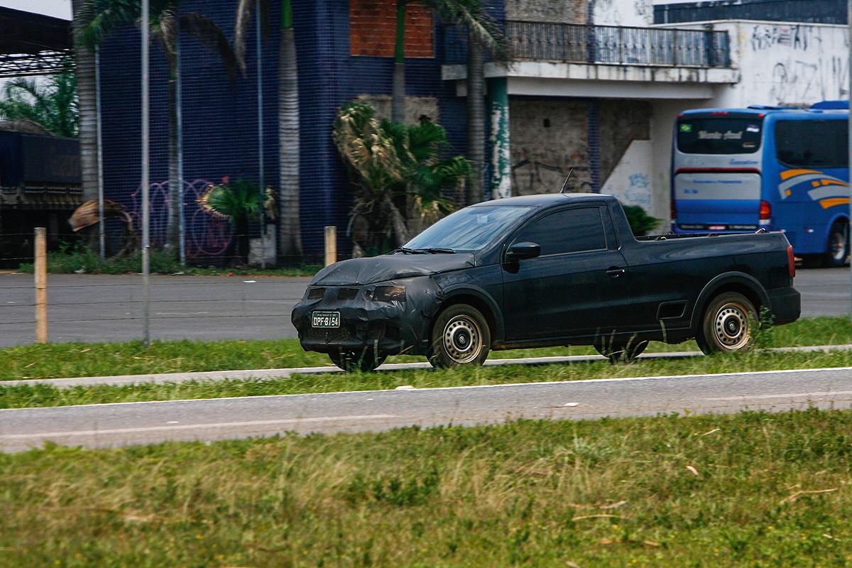 VW Saveiro camuflada