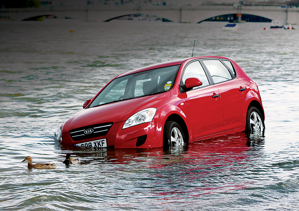 Carro afogado