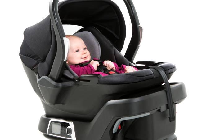 569017e40e216343f90332efinfant_car_seat_lifestyle_side.jpeg