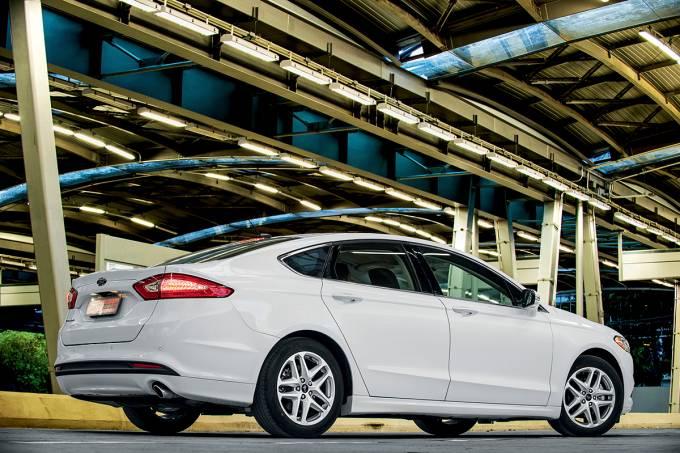 5699299682bee121100a8a40fusion-2-5-modelo-2013-da-ford-testado-pela-revista-quatro-rodas.jpeg