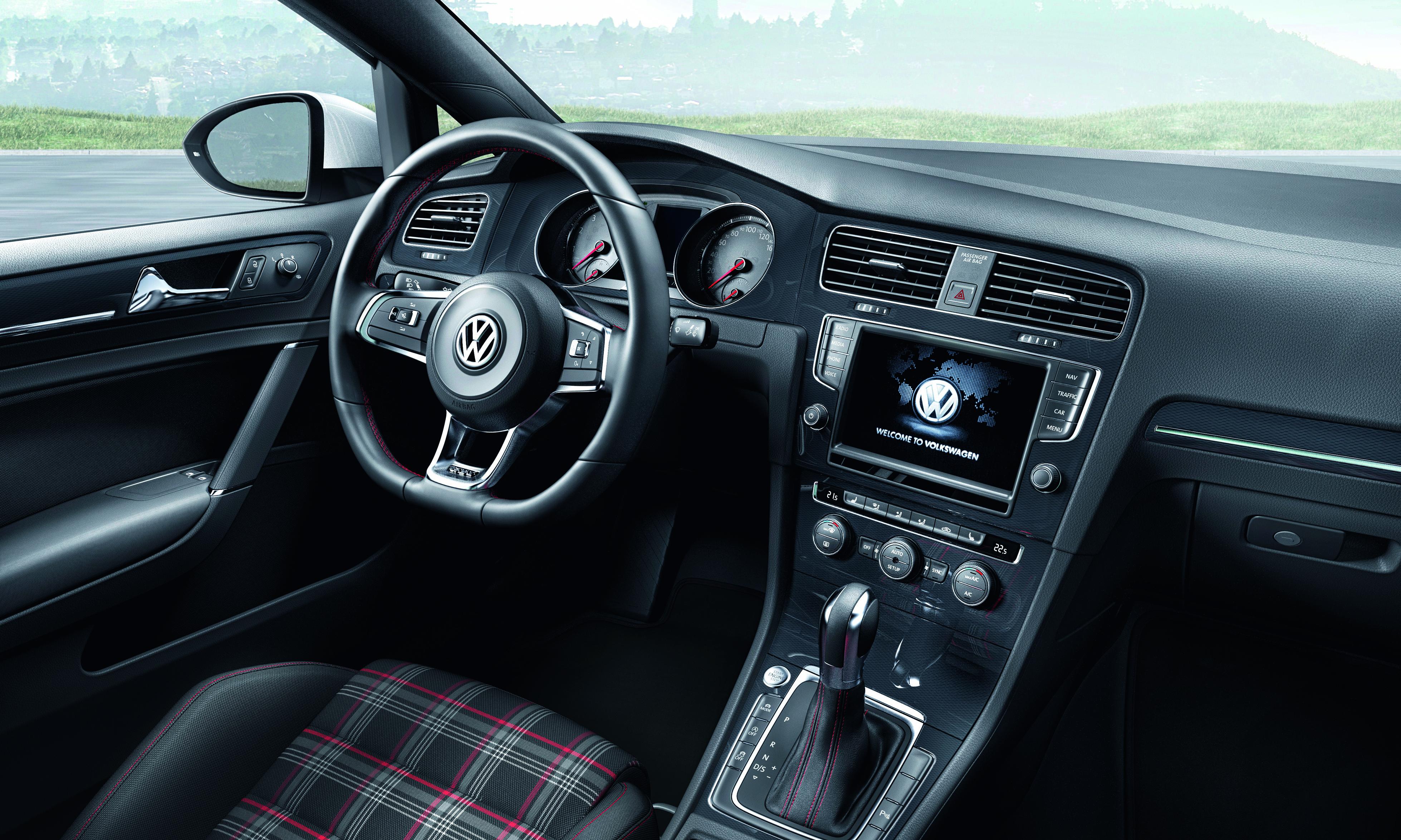 VW Golf GTI (interior)